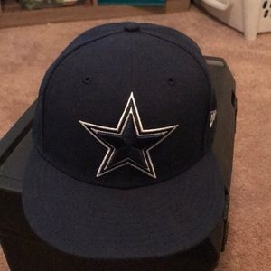 EUC Dallas Cowboys 9Fifty SnapBack Hat. Blue